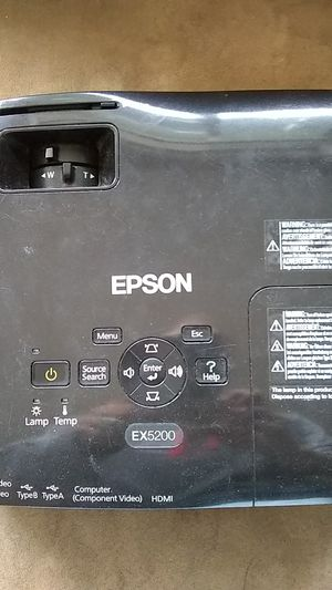 Epson high definition projector ex5200 in very nice condition for Sale in Renton, WA