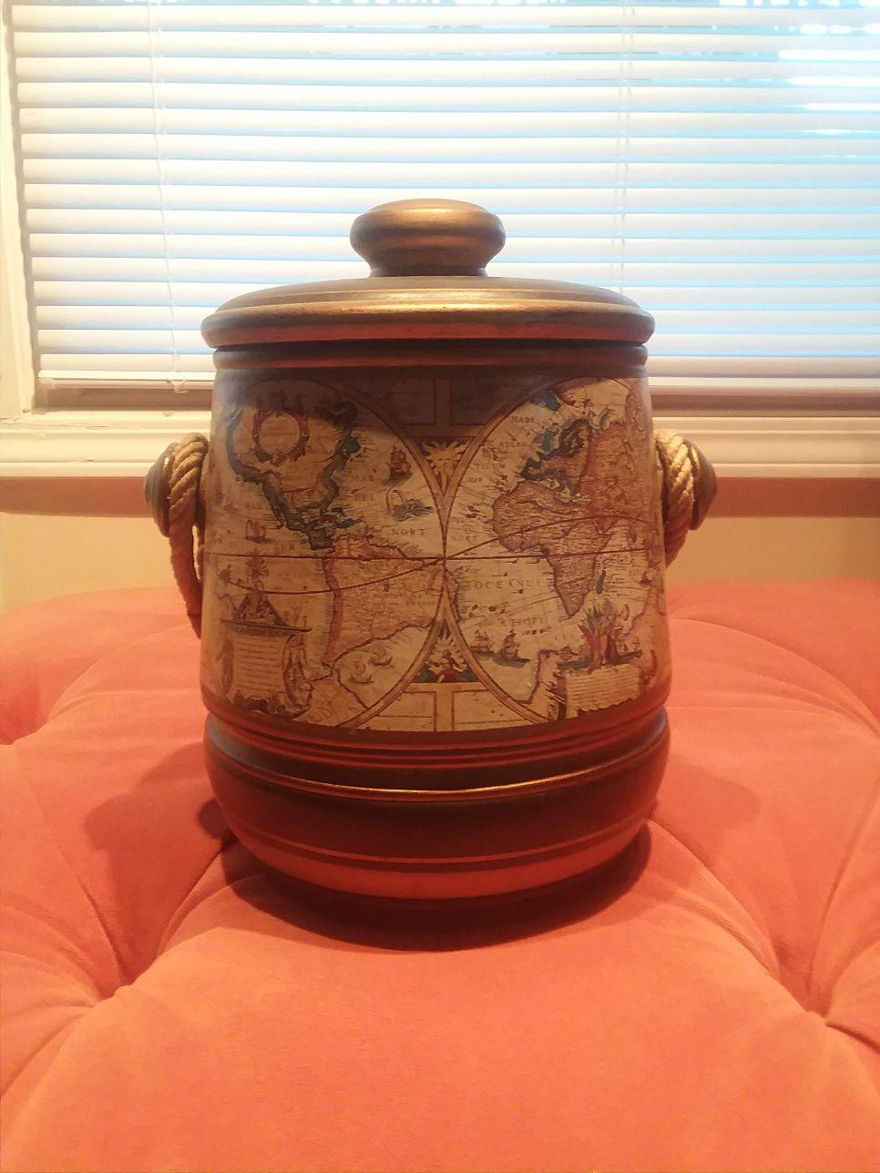 Vintage ceramic cookie jar