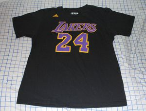 Kobe Bryant #24 Black Los Angeles Lakers T-Shirt Large for Sale in Bell Gardens, CA