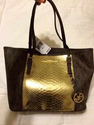 fd688dbfe67f New with tag Michael Kors Gold Center Stripe Travel Tote for Sale in Vidor