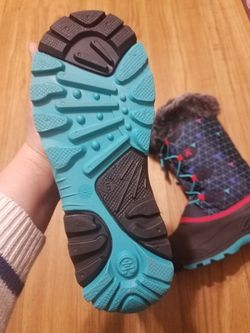 Kamik snow boots for girl size 5 Thumbnail