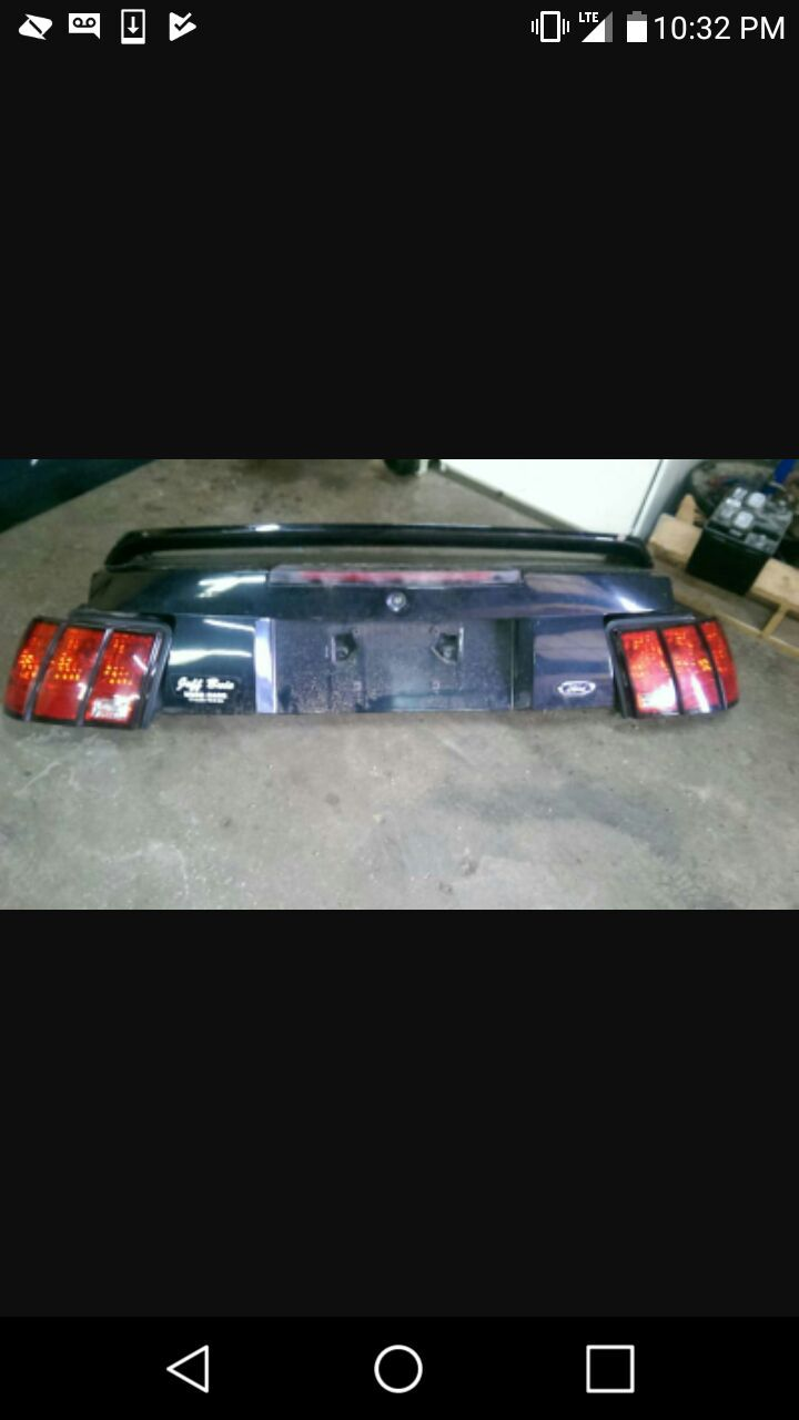1999 to 2004 mustang tail lights