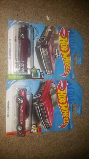 Photo HOT WHEELS CHEVY CHEVELLE CUSTOMED PAIR