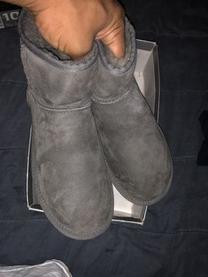 women UGG boots still fresh for Sale in Temple Hills, MD