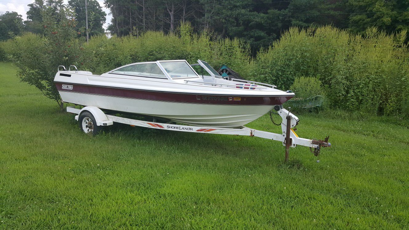 Photo Boat and trailer for sale no engine make me an offer