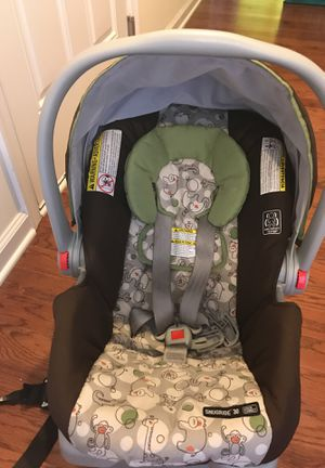 Graco car seat & base $20 for Sale in White Plains, MD