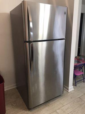 Kenmore refrigerator for Sale in Mount Rainier, MD