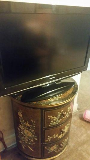 SHARP 32' TV HDTV for Sale in Nashville, TN
