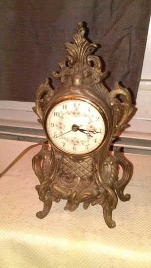 Antique Ornate Lanshire Gold / Silver Mantel Clock for Sale in Frenchtown, NJ