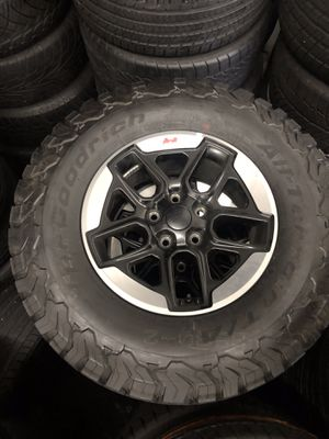 Jeep Wrangler JL oem wheels like new 1000miles for Sale in Laurel, MD