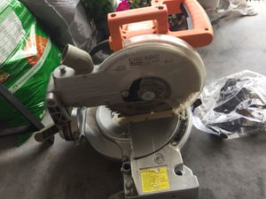 Fixed table saw -Chicago electric 10 miter saw, 120v/60hz, 5300 RPM for Sale in Orlando, FL