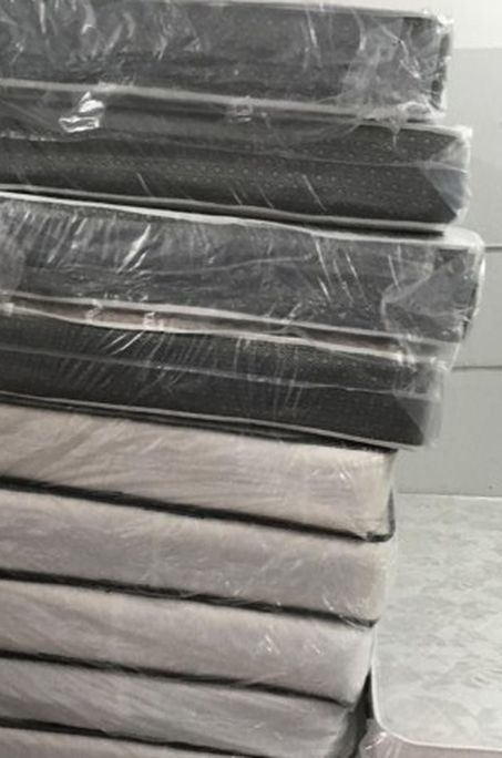 Brand New Mattress Sale (Financing Available) Best Prices !!