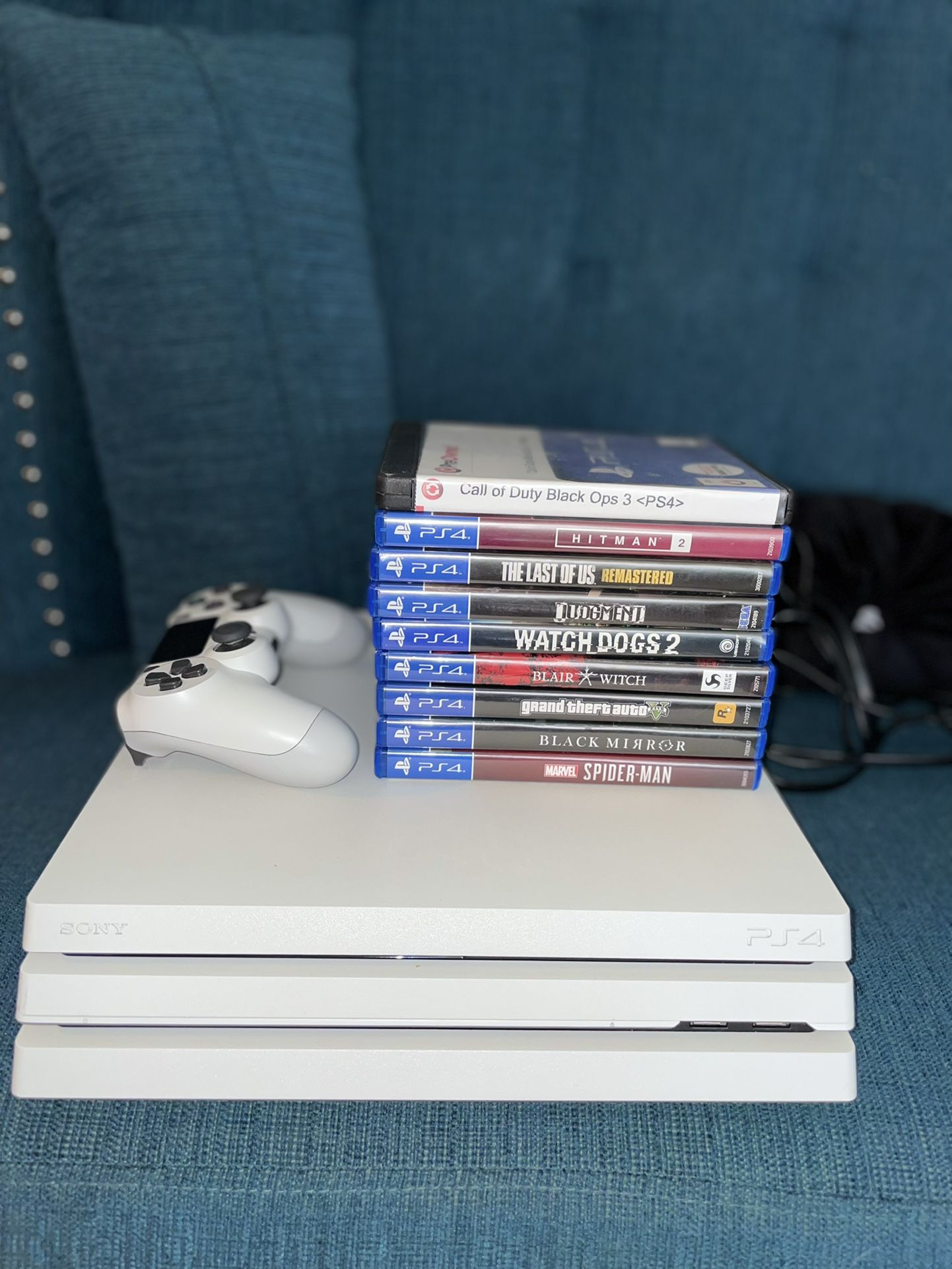 Playstation 4  Pro (Glacier White) with 9 games