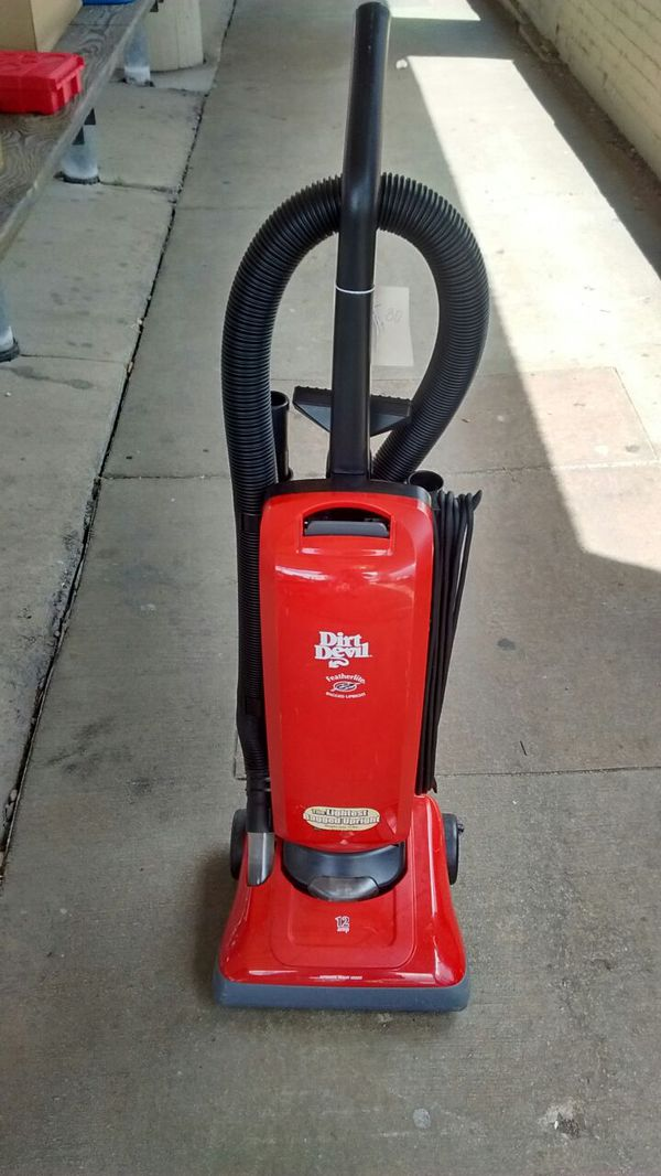 Dirt Devil Upright Vacuum Featherlite Begged Used For In Milwaukee Wi Offerup