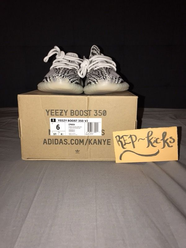 e8f9ccce22bcd Adidas Yeezy Boost 350 V2 Zebras Size 6 for Sale in Las Vegas