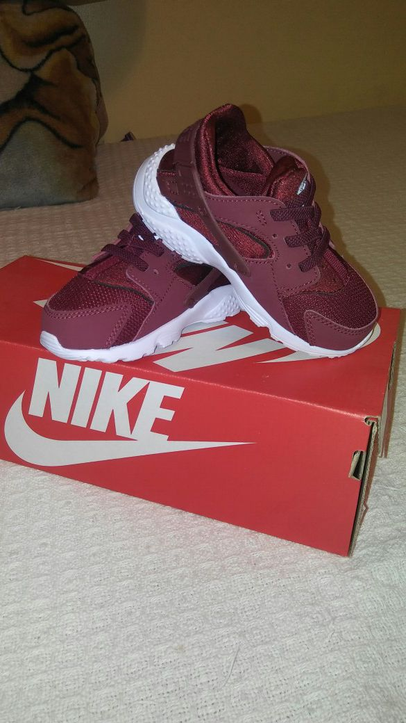 147ef4a6f2c02 Nike huarache run(td) for Sale in Chicago
