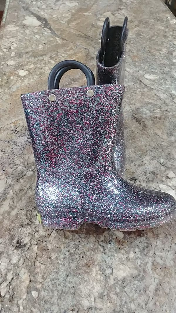 9c0d55ed2f8 Rain boots size 8 toddler glitter western chief for Sale in ...