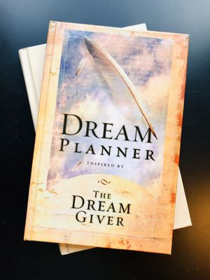 """""""The Dream Giver"""" + Planner by Bruce Wilkinson for Sale in Leesburg, VA"""
