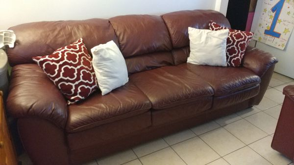 Leather sofa set burgundy excellent condition for Sale in Gardena, CA -  OfferUp