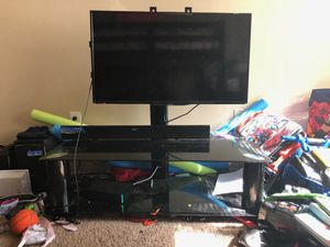 insignia 40 inch with tv stand for Sale in Chevy Chase, MD