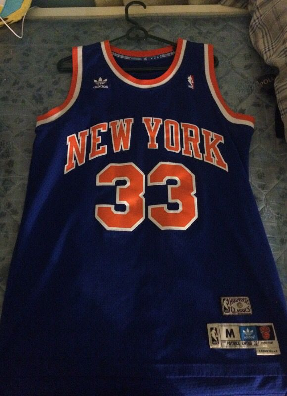 reputable site 91f79 6684a New York Knicks throwback jersey for Sale in San Jose, CA - OfferUp