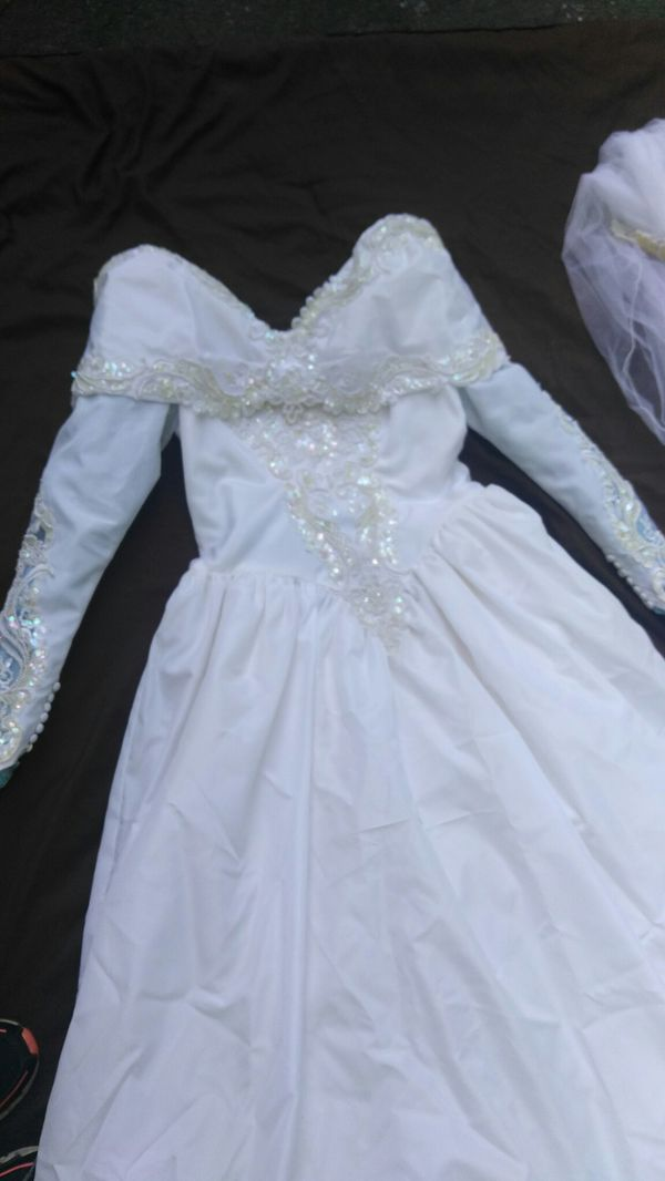 Wedding dress size 12 clothing shoes in charlotte nc for Where can i sell my wedding dress locally