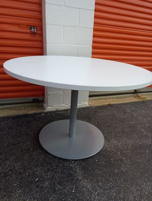 Office table for Sale in Hyattsville, MD