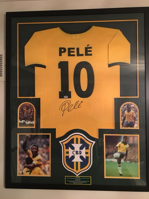 d26e020a1b7 PELE #10 HANDS SIGNED JERSEY WITH COA for Sale in Chicago, IL - OfferUp