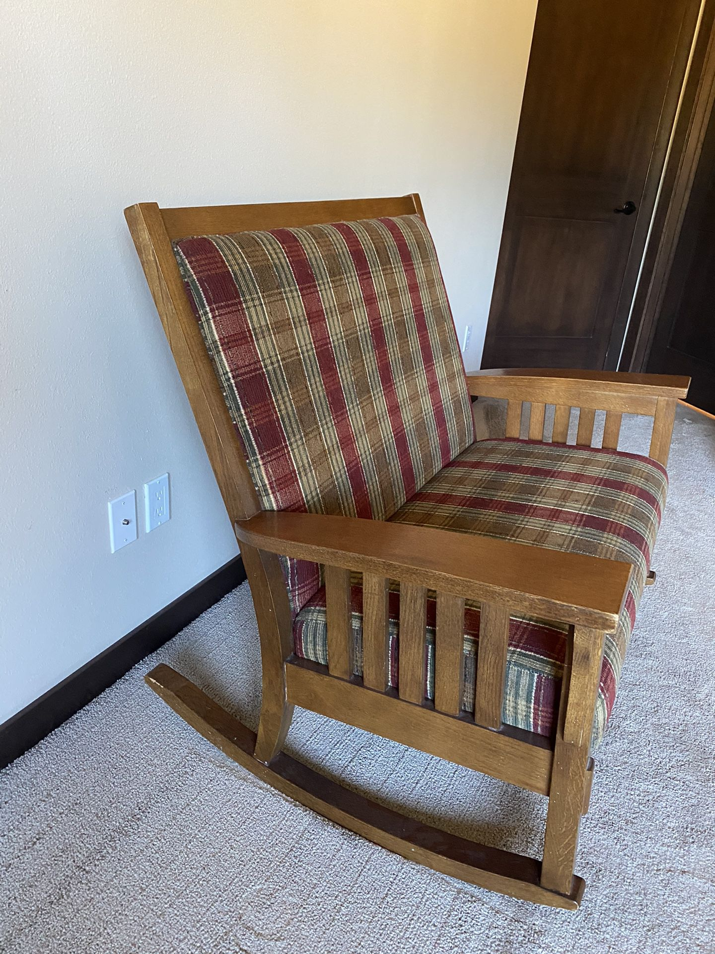Flexsteal Double Rocker Perfect for Mom and little ones!