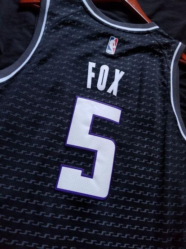 cheap for discount 5e84d 06f85 Deaaron Fox Sacramento Kings jersey nba basketball for Sale in San Diego,  CA - OfferUp