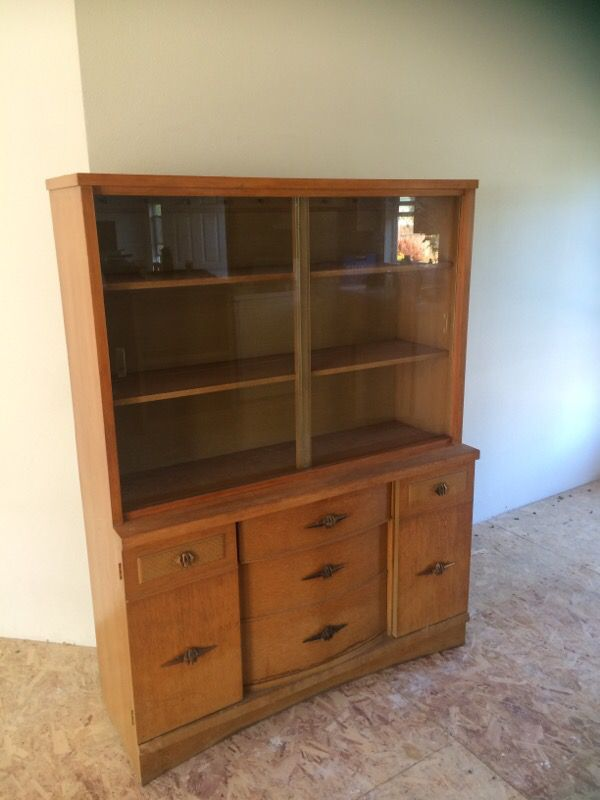 Distinctive Furniture By Stanley Vintage Hutch For In Portland Or Offerup