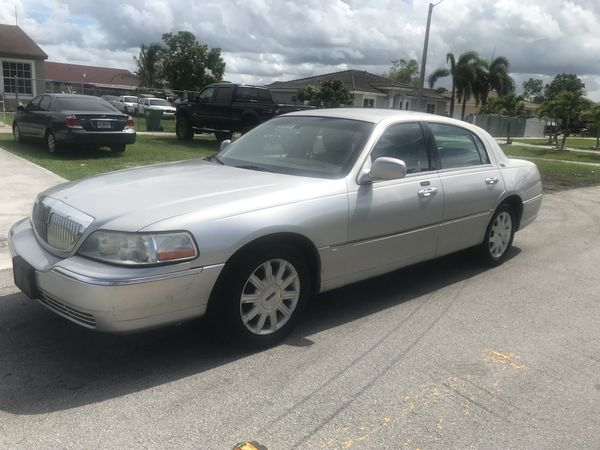 2017 Lincoln Town Car Last Year Of Cars Clean Le Runs Amazing No Issues Flex Fuel For In Homestead Fl Offerup