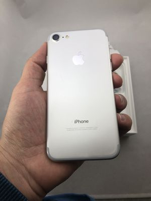 iPhone 7 32 GB unlocked for Sale in Herndon, VA