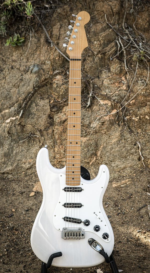 Warmoth Stratocaster - Mary Kay White - Lindy Fralin Pickups