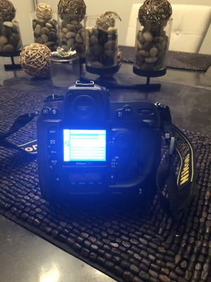 Nikon D2X 12.4 Megapixel Digital SLR Camera Body for Sale in Ashton-Sandy Spring, MD