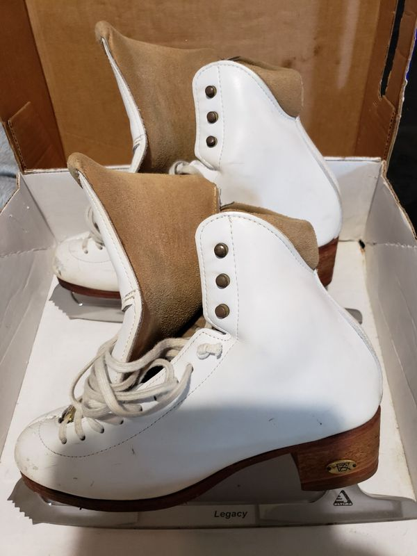 Ice Skates For Sale >> Ice Skates For Sale In Allentown Pa Offerup