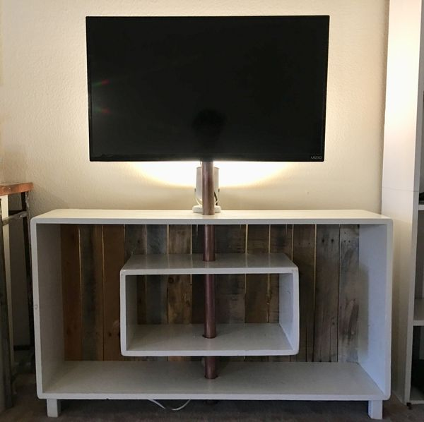 Rustic Tv Stand Furniture In Tucson Az Offerup