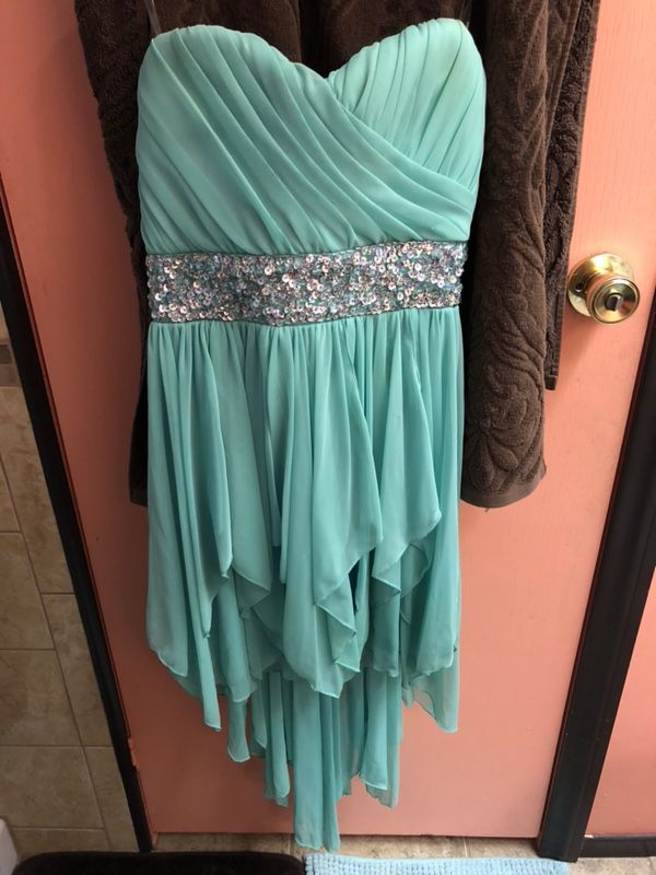 CSUB Gown Graduation 5-5\'2 for Sale in Bakersfield, CA - OfferUp