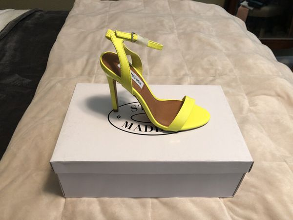 917a2889ff0 BRAND NEW Steve Madden Landen Yellow Patent for Sale in Monrovia, CA -  OfferUp
