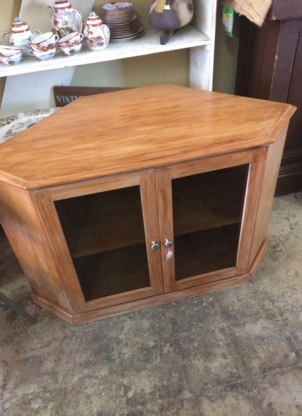 Corner Tv Cabinet Beautiful Rustic Wood With 2 Doors 23 From 30 High Only 49 00 Stuff Furniture Voted 1 Vintage