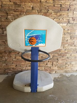 Basketball hoop for Sale in Tulare, CA