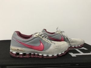 Nike Woman's size 8 for Sale in Herndon, VA