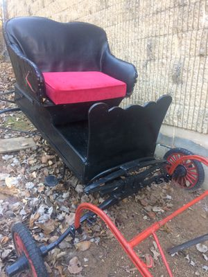 Vintage Collectible drawn horse carriage/ wagon / buggy for Sale in Springfield, VA