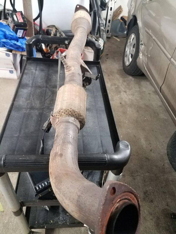 2002 2003 2004 2005 TOYOTA CAMRY 4CYLINDER 2 4L CATALYTIC CONVERTER W/ FLEX  PIPE & o2 SENSOR for Sale in Lynnwood, WA - OfferUp