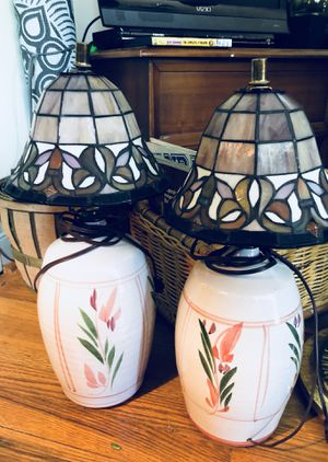 """Pair of Vintage Tiffany """"Granny Style""""Shade Lamps 🌺 for Sale in Richmond, VA"""