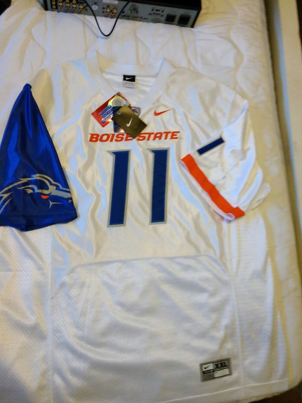 purchase cheap 026d7 dca38 Nike Official Boise State Broncos Jersey for Sale in Yakima, WA - OfferUp