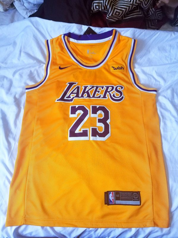 info for b4e16 5d52e Lebron James LA Lakers Nike Gold 18/19 Jersey Icon Edition for Sale in  Hayward, CA - OfferUp