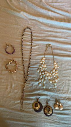 Costume jewelry Thumbnail
