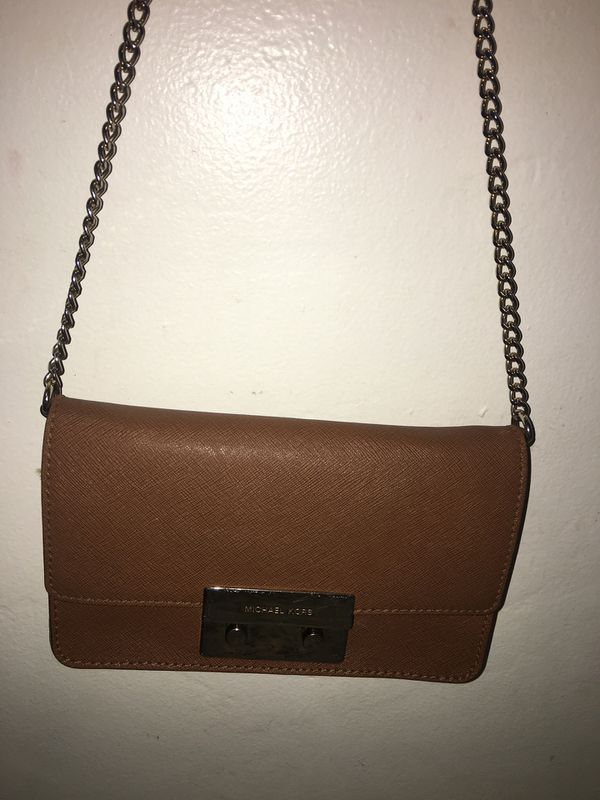 c91cb3aabf39 Crossbody bag Mk authentic for Sale in Bakersfield
