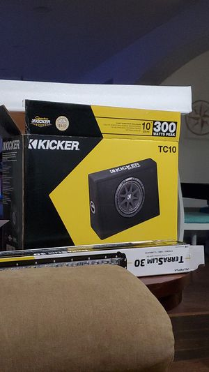 Photo Kicker 10 inch subwoofer
